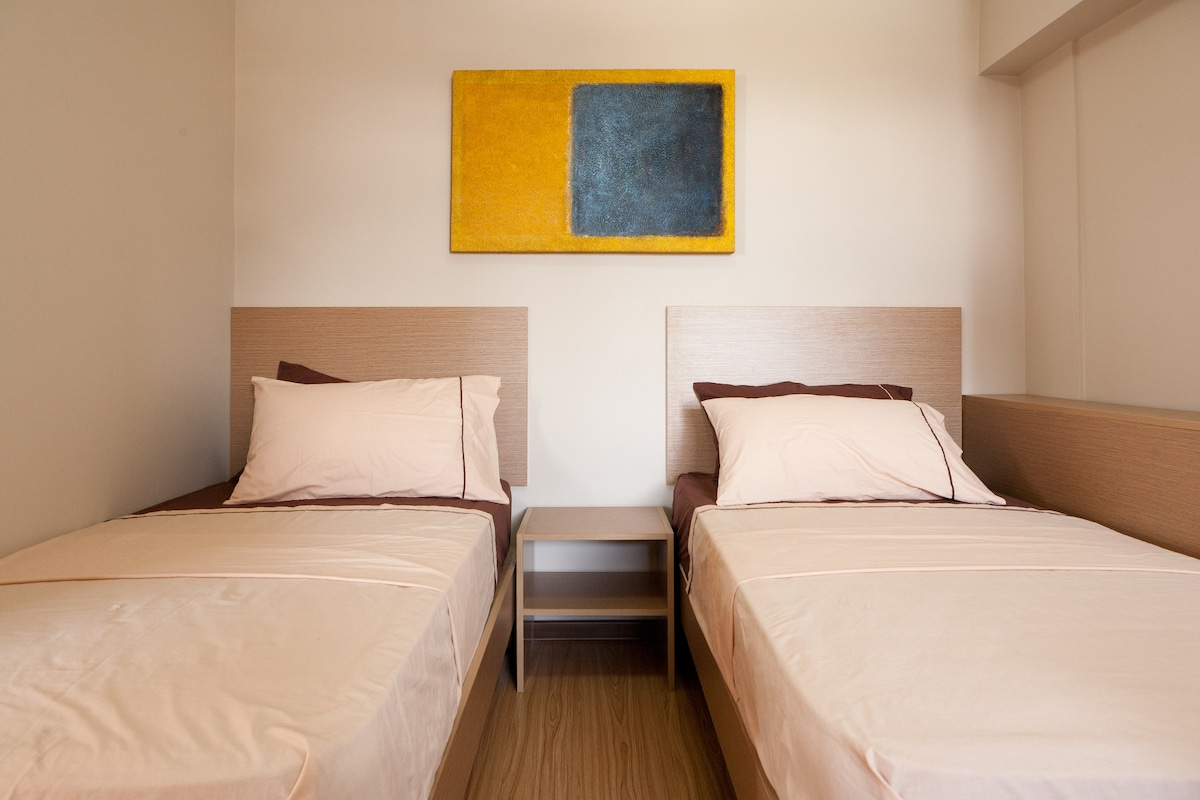 NEW! UP & DOWN MY 2 BEDROOM LOFT