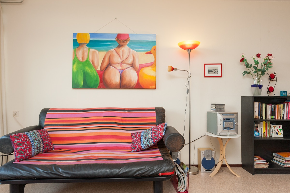De bedbank / The sofa bed