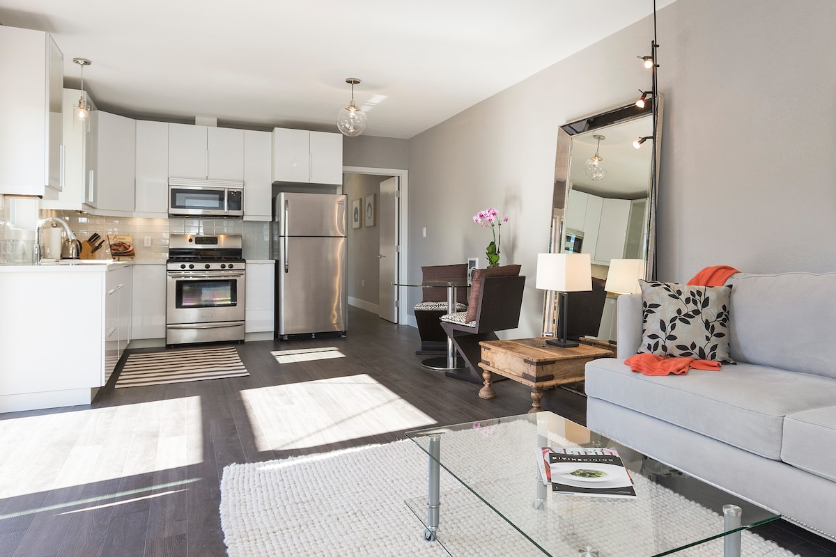 Sunny Apt in Mill Valley w/ views!