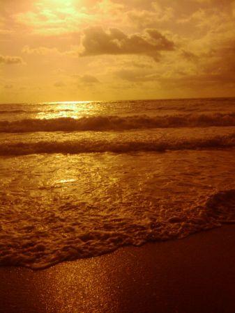 Minutes walk to beautiful Jupiter Beach