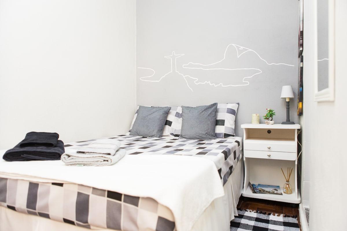 Ipanema Suite with private bathroom