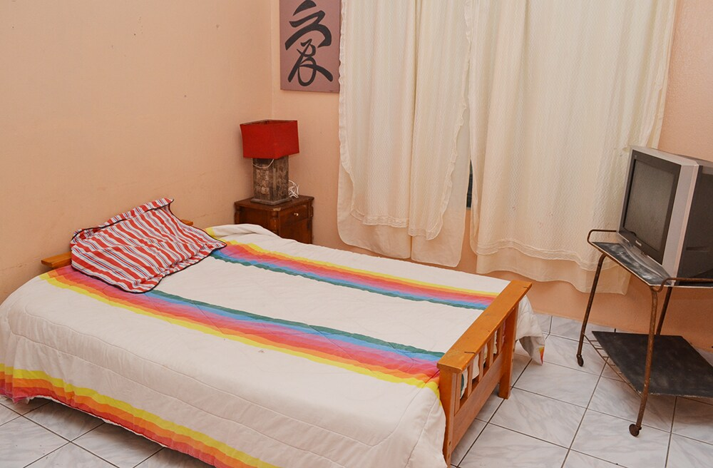 Room in  Jaco Beach Surf camp