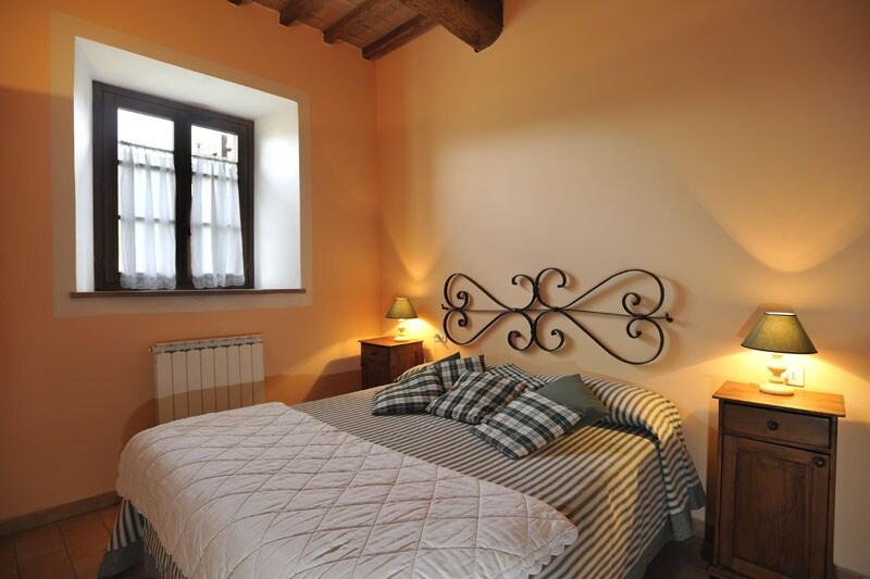 Camera matrimoniale appartamento 'La Zucca' / Double bedroom apartment 'The Pumpkin'