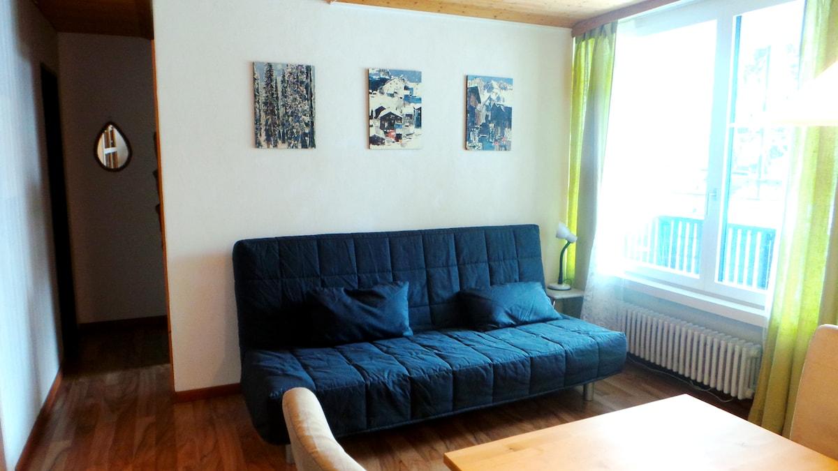 Wohnzimmer mit Schlafcoach (140cm)
