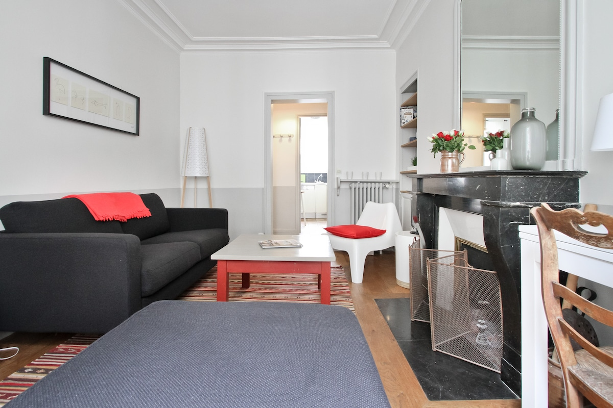 2 bedrooms Marais/St Paul