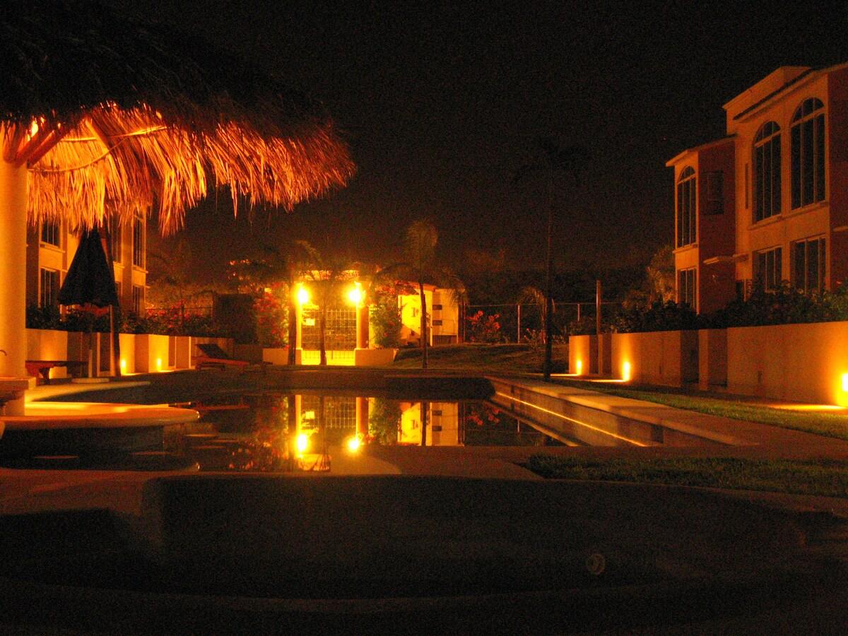 3BR 2.5BA Beautiful in Villa Ixtapa