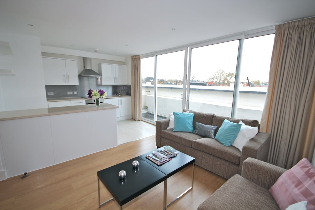 Exclusive 2BR Earls Court PVL04