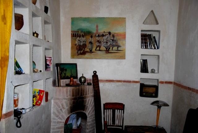 Salle à manger cosy avec cheminée