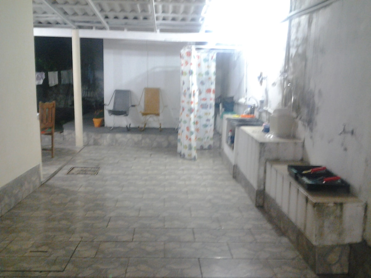 The room stay in Yard of our house Family, so its a independente room.