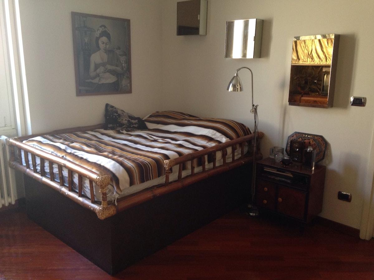 Cozy bedroom, central Navigli area