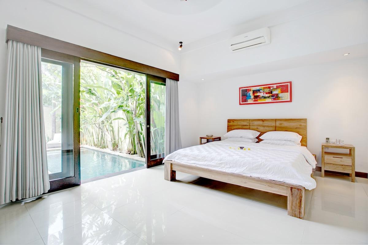 King Room Garden Floor