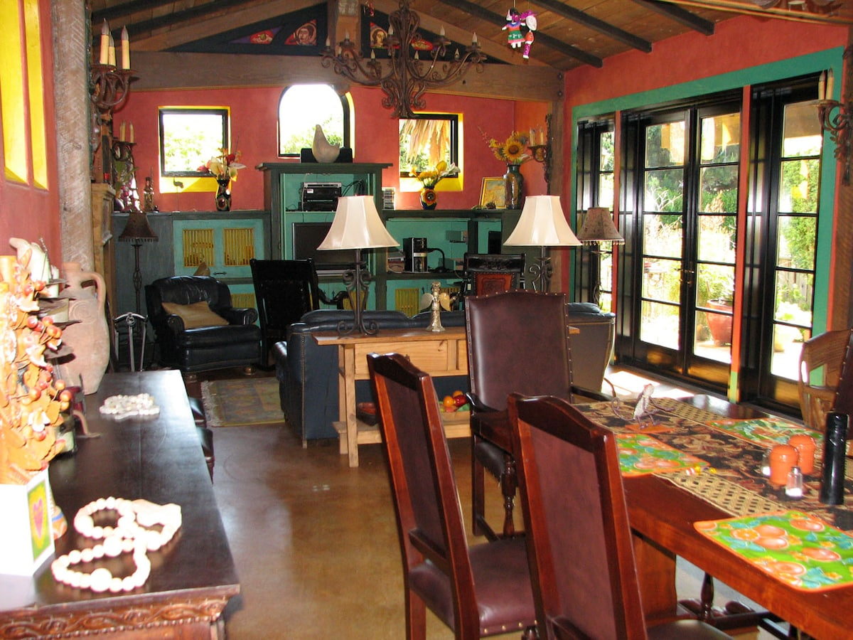 KALO FRIEDA COTTAGE BY THE SEA