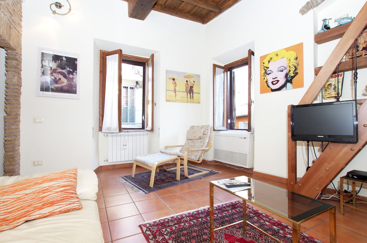 Cozy typical apartment Trastevere