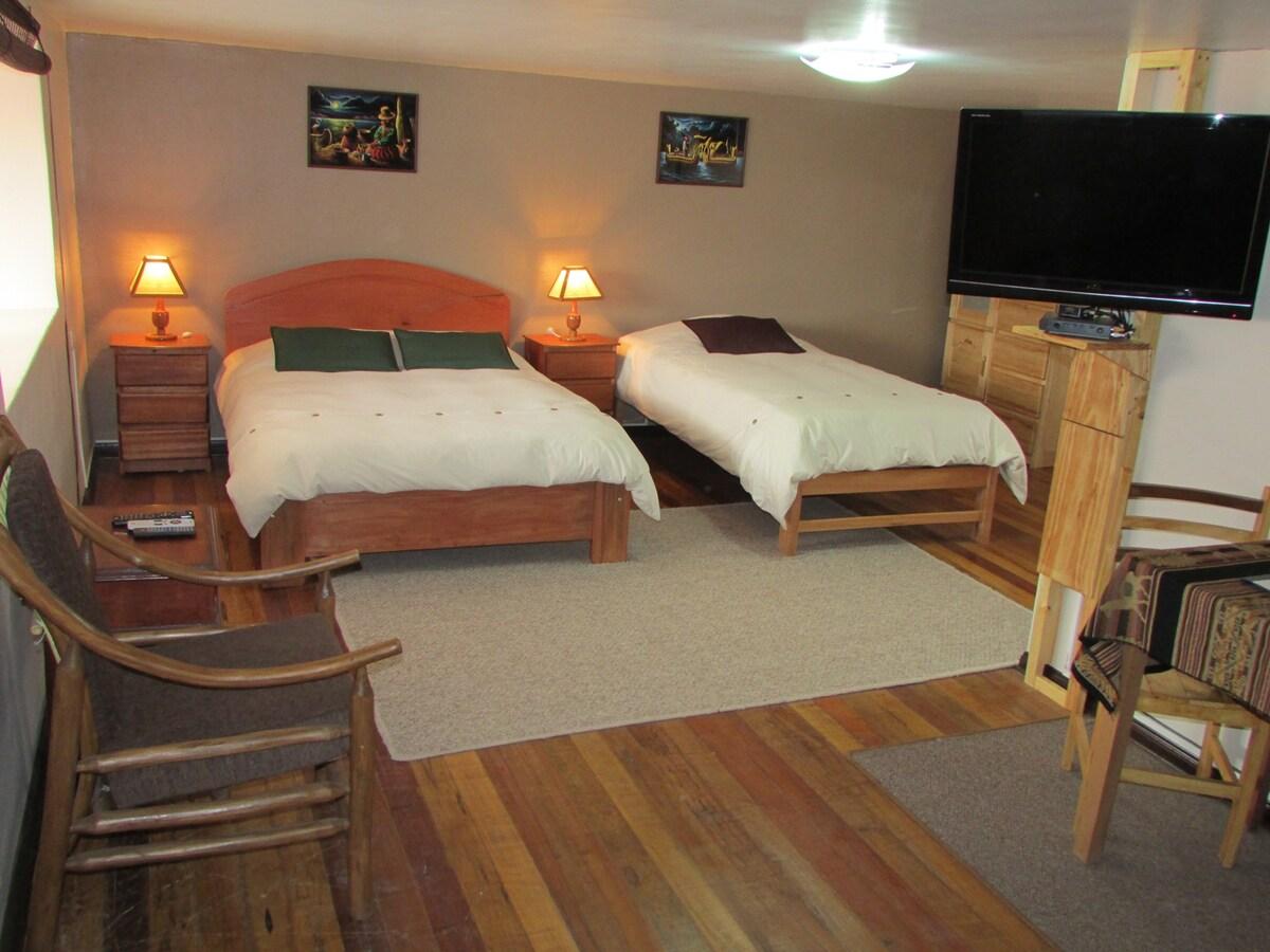 GringoWasi, Room 4 w/ Private Bath