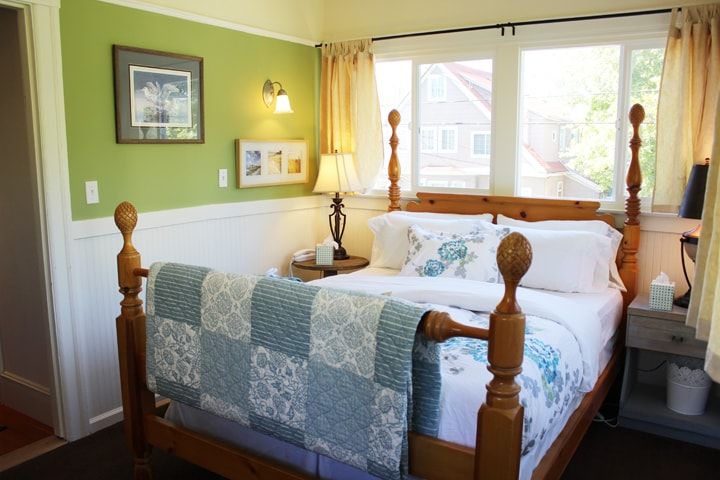 The Bayshore Room has windows on three walls, letting in lots of natural light.