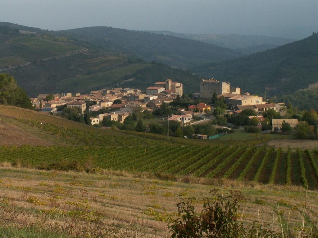 Studio dans village sud de France