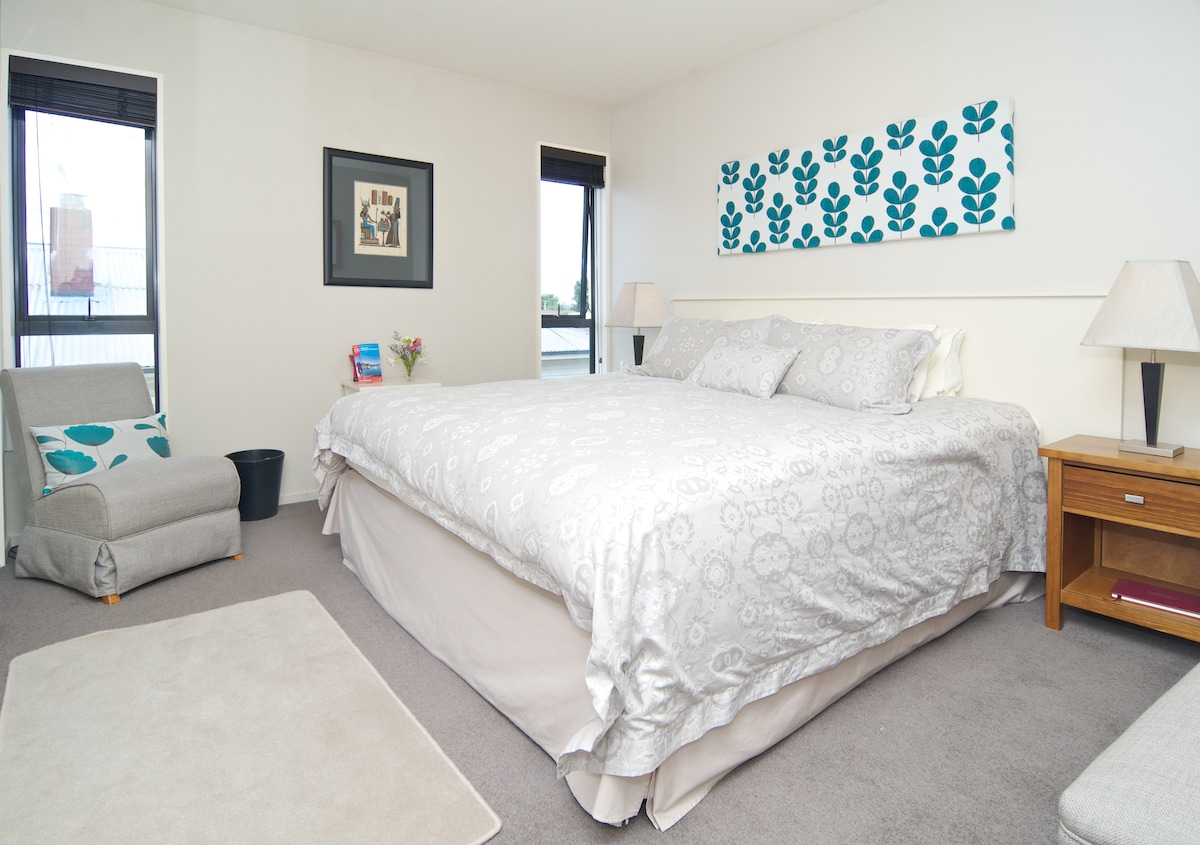 The main bedroom with King size bed.