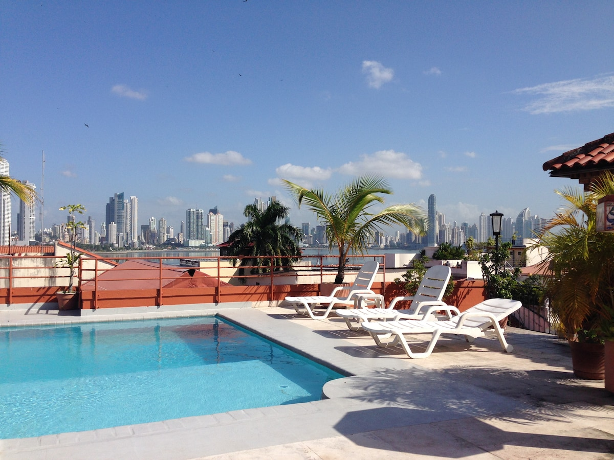 Center Casco with roof and pool