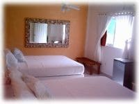 Coral Reef Inn 2nd Fl. Double Qn Rm