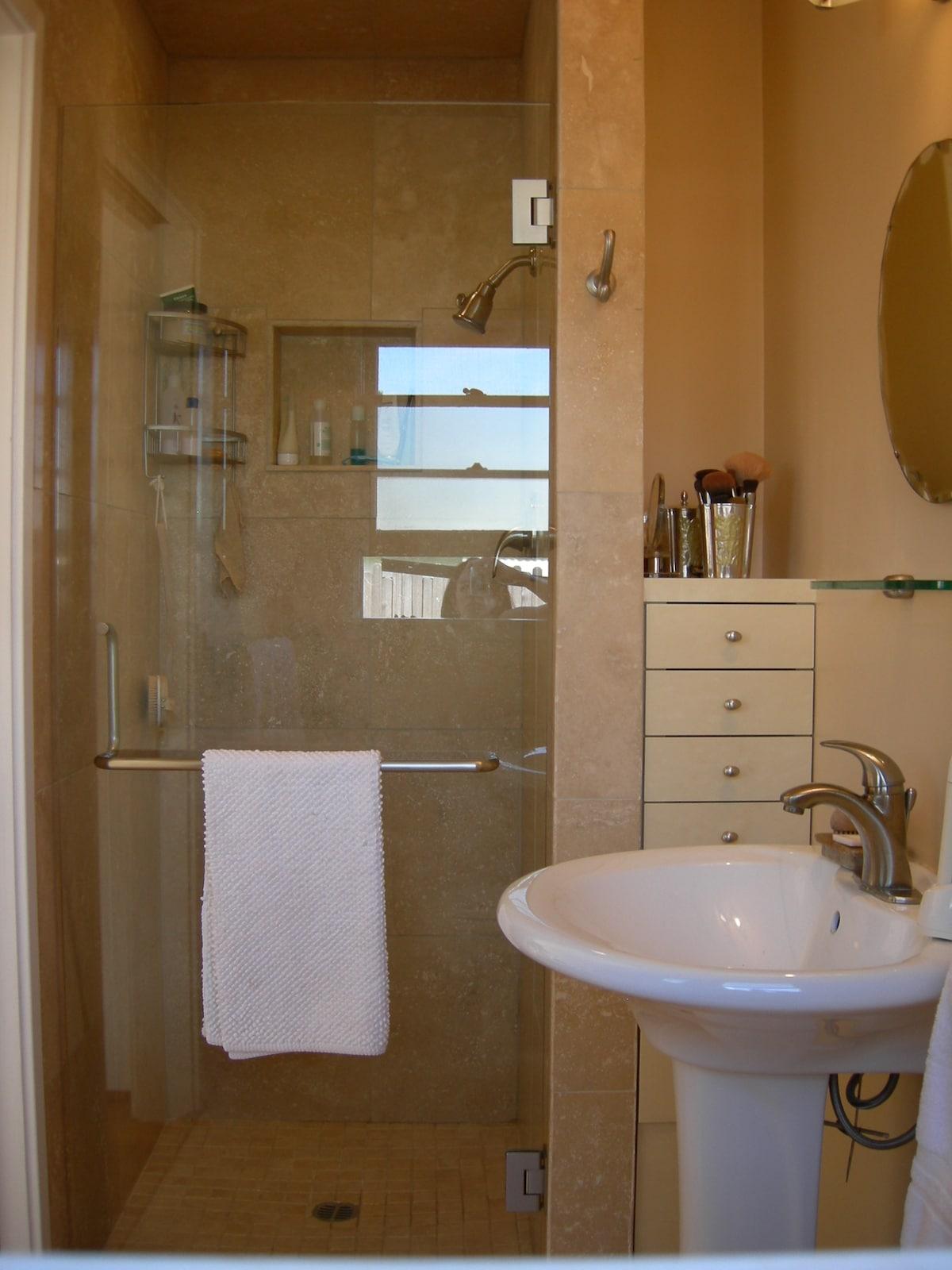 travertine bathroom and shower