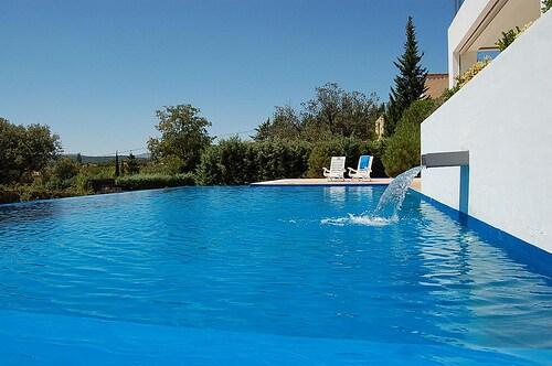 Piscina // The swimming pool