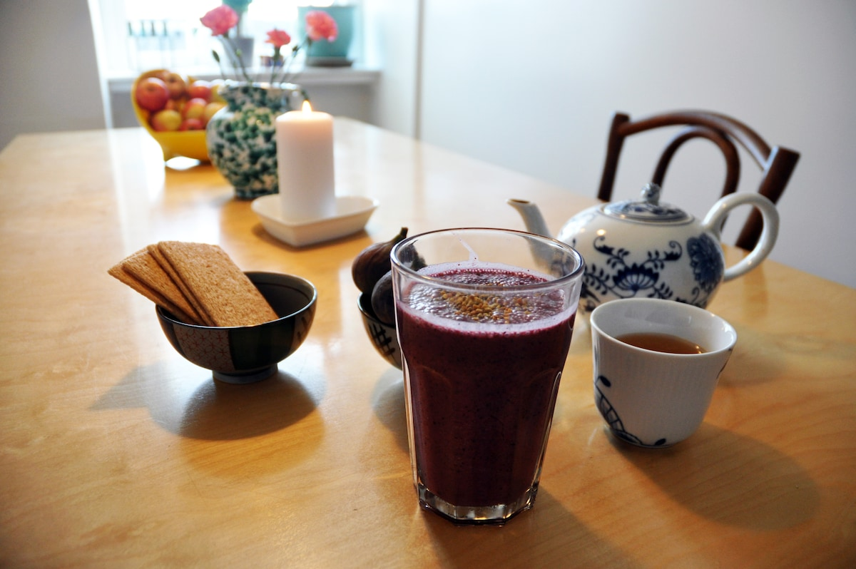 Smoothie for breakfast or just a cup of tea!