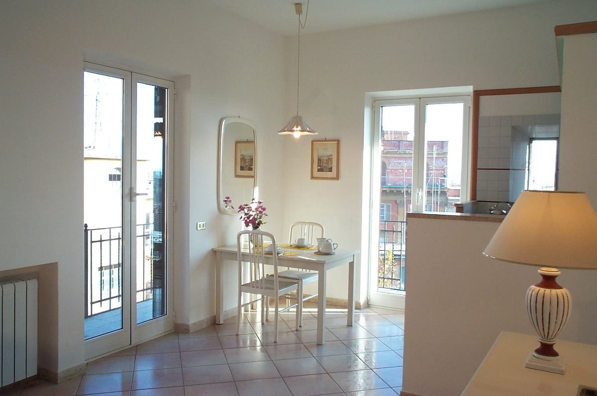 Trastevere Balcony Ideally located