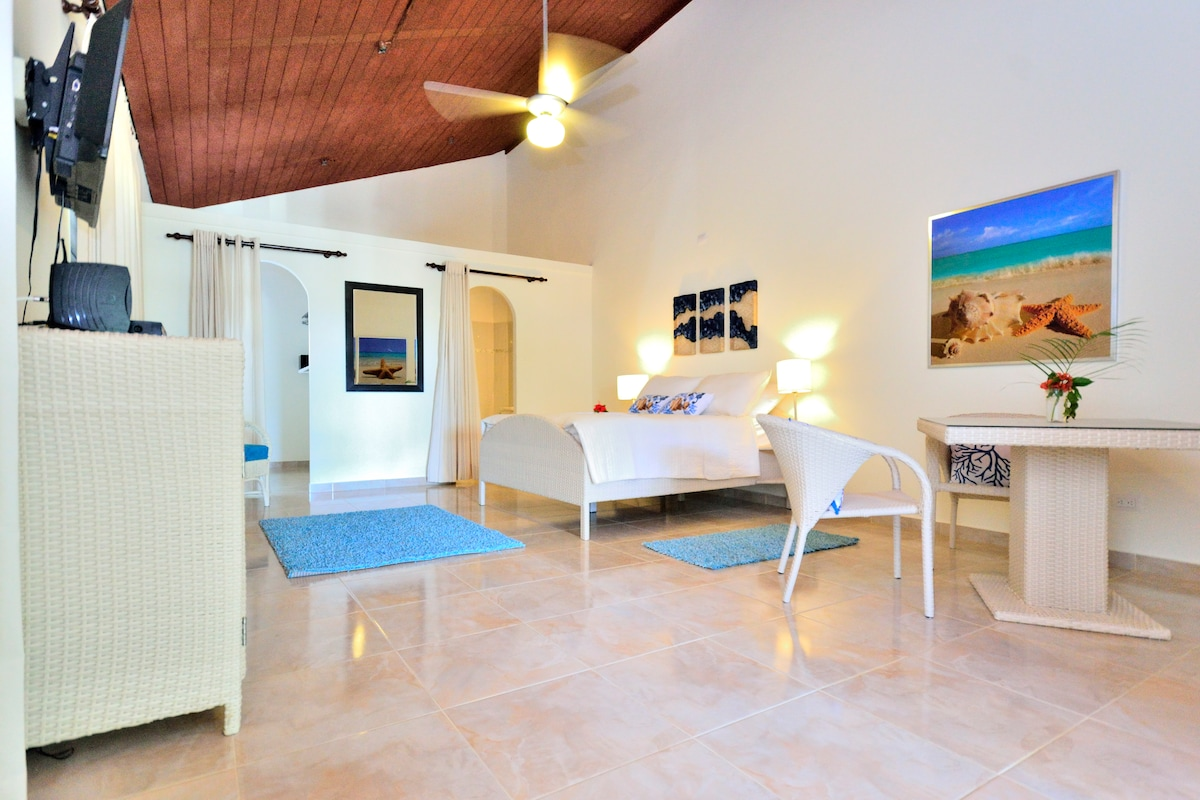 new room in the center of Sosua