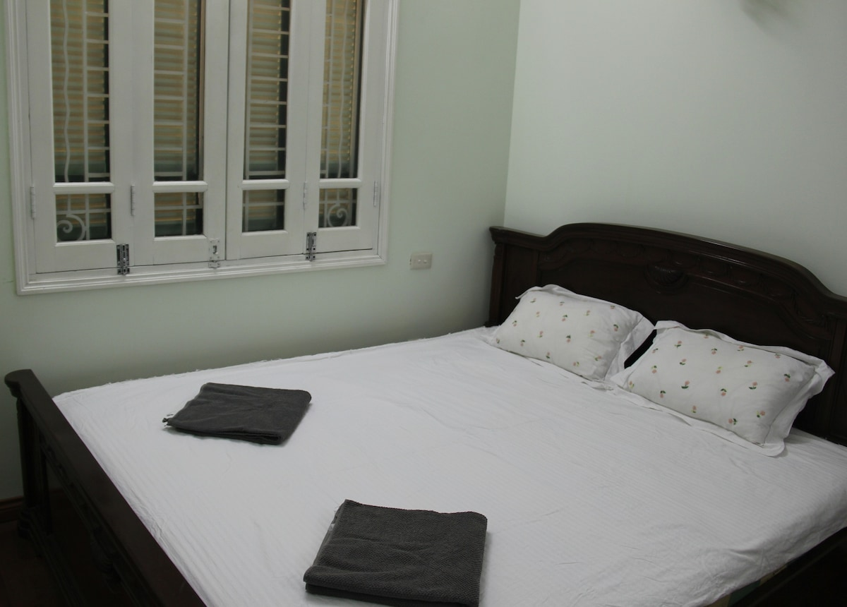 One of the large deluxe double bedrooms