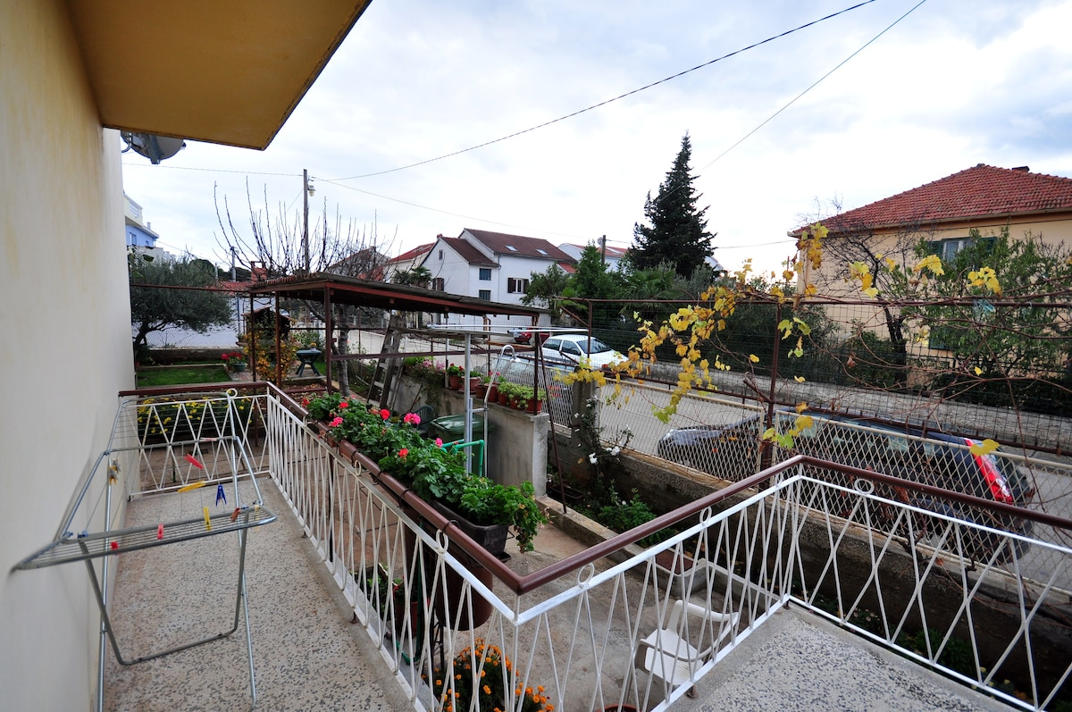 Apartment Mira for 8 persons, Zadar