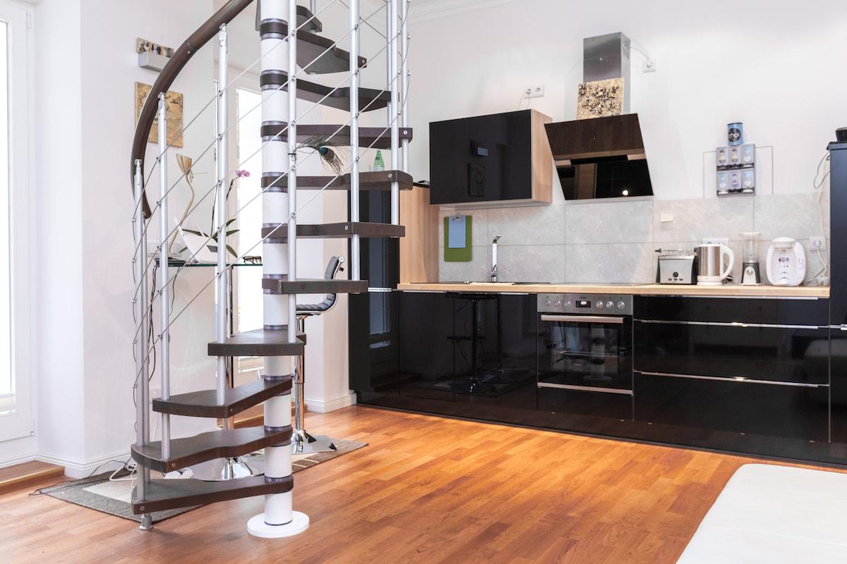 luxury Studio Loft with big balkon