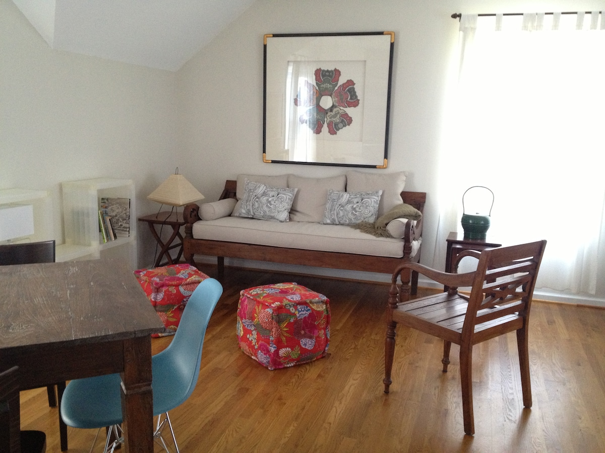 tastefully appointed studio carriage house