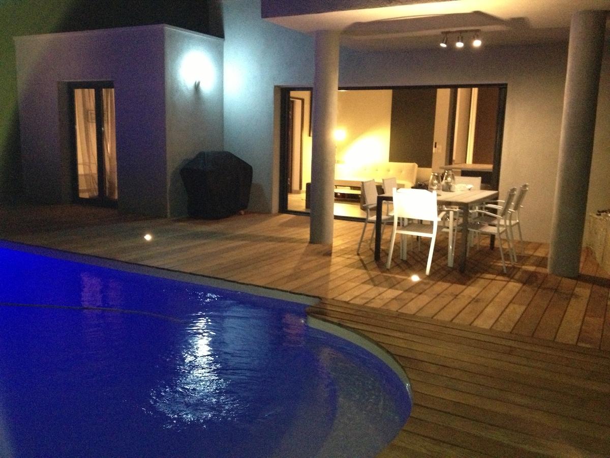 VIILA 85m² piscine privative 6 pers