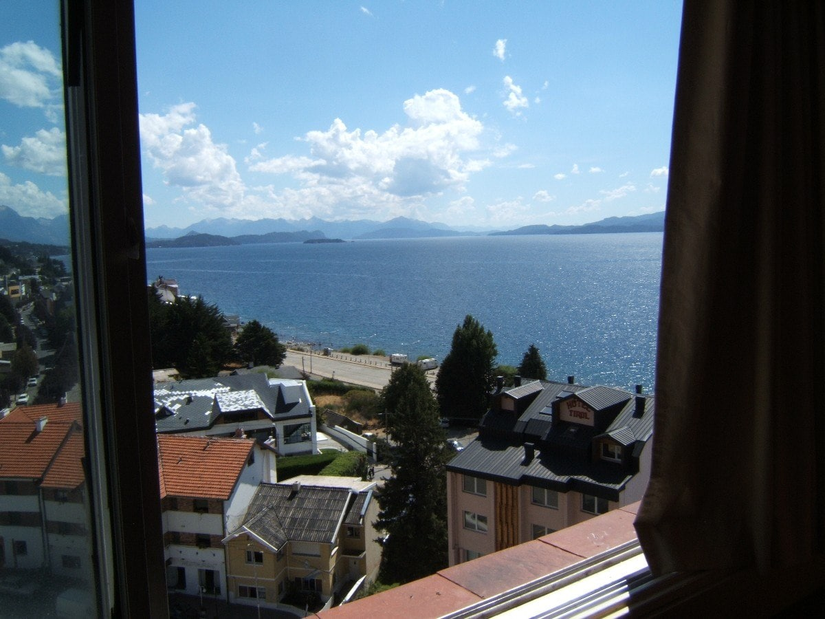 At center of Bariloche lake view!
