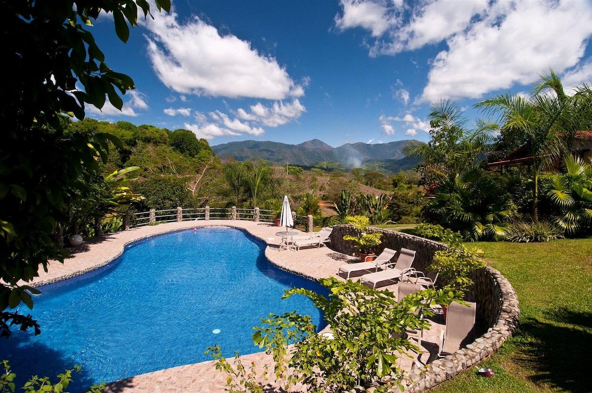 Blue Banyan Inn - Luxury Cabins