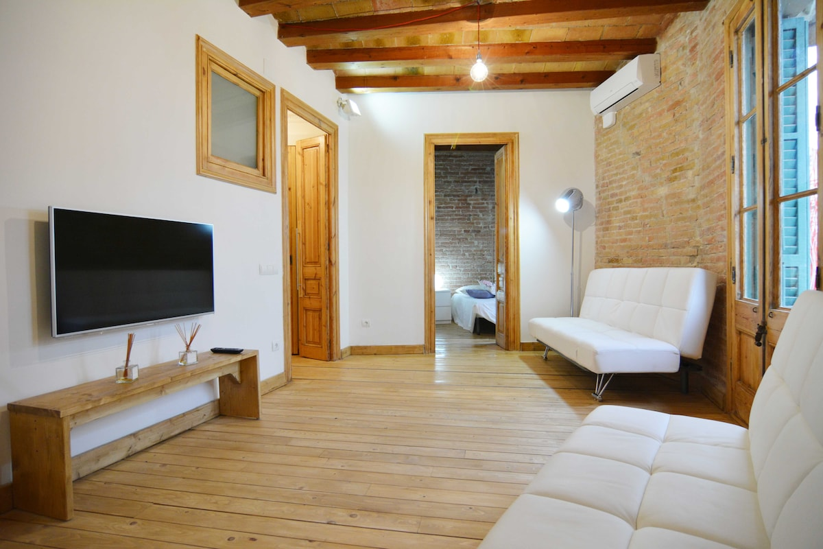 APARTMENT WITH TERRACE TO RENT (65)