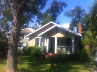 2/1 Midtown Bungalow - pets welcome