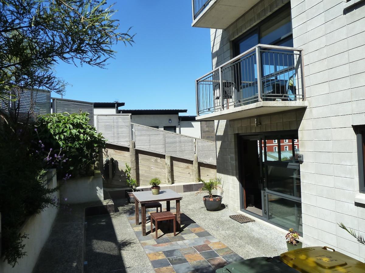 Modern Inner City Studio Apartment