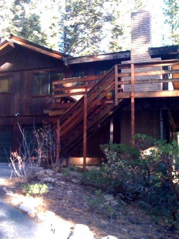 Pet Friendly Tahoe cabin
