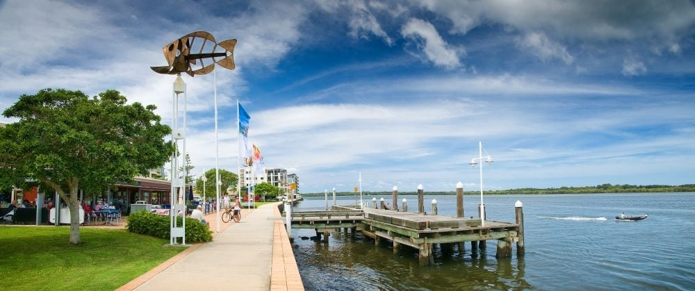 local river front cafes and boardwalk, just a few blocks away!!