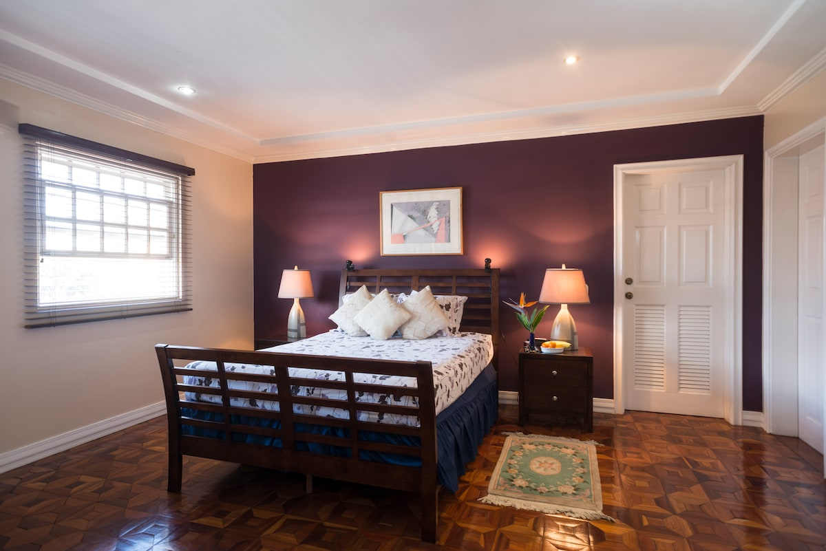 Comfort, clean, home! The GRAND room awaits!