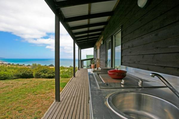 cook and enjoy the view from the Mother Nature Kitchens of Cape and Otway suites