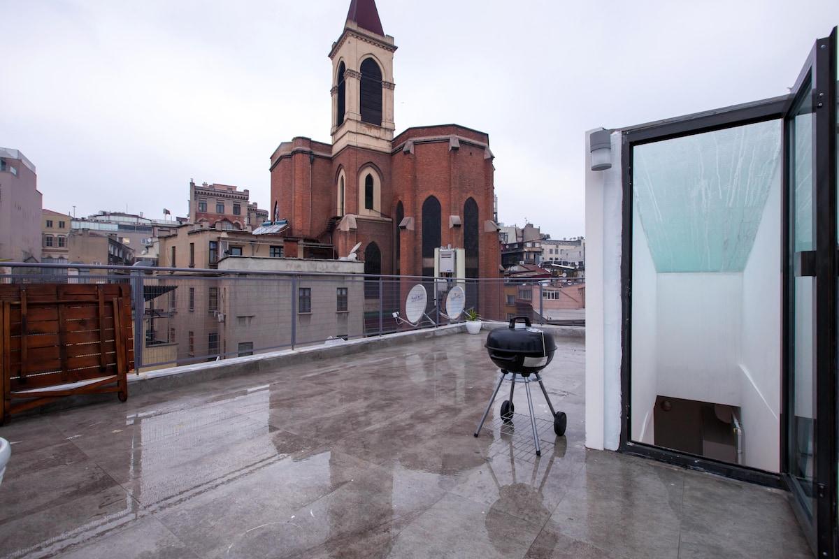 istiklal caddesi saint antuan teras