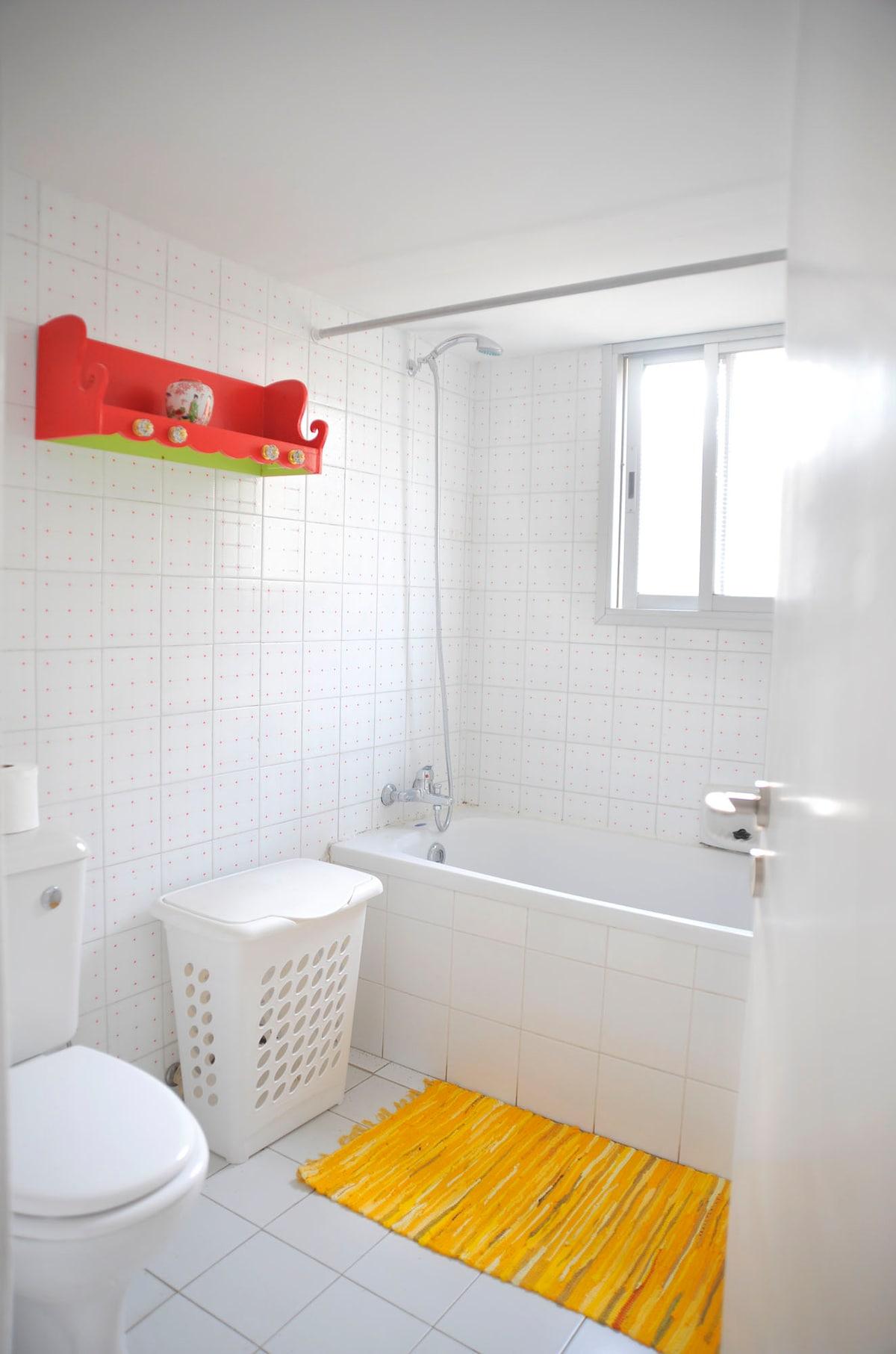 Bathroom with Buthtub