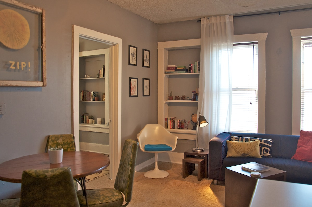 Charming Apartment-BEST LOCATION! A