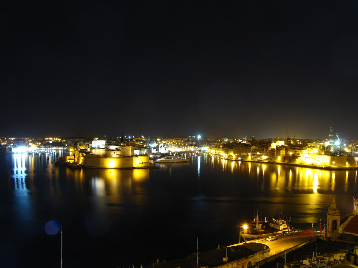 Night scape of the harbour taken by a happy guest!! :)