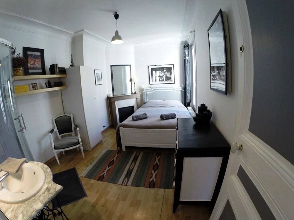 Nice & quite 3 separate rooms!