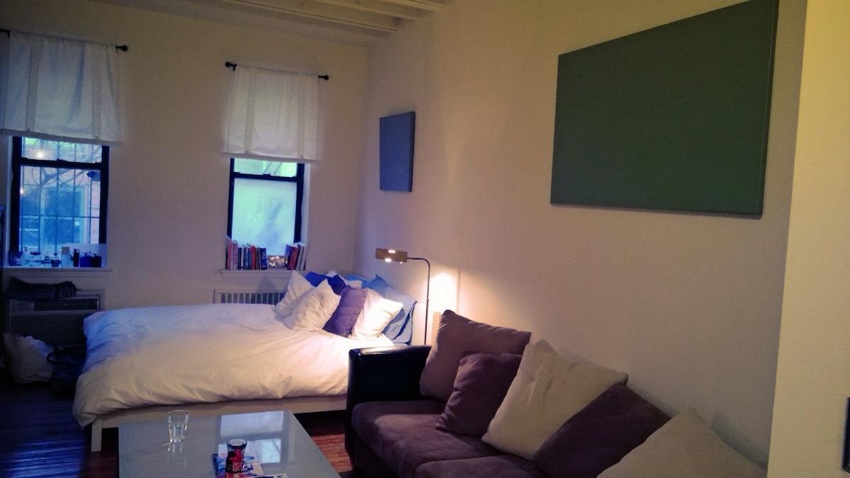 Quiet Spacious Studio in Gramercy!