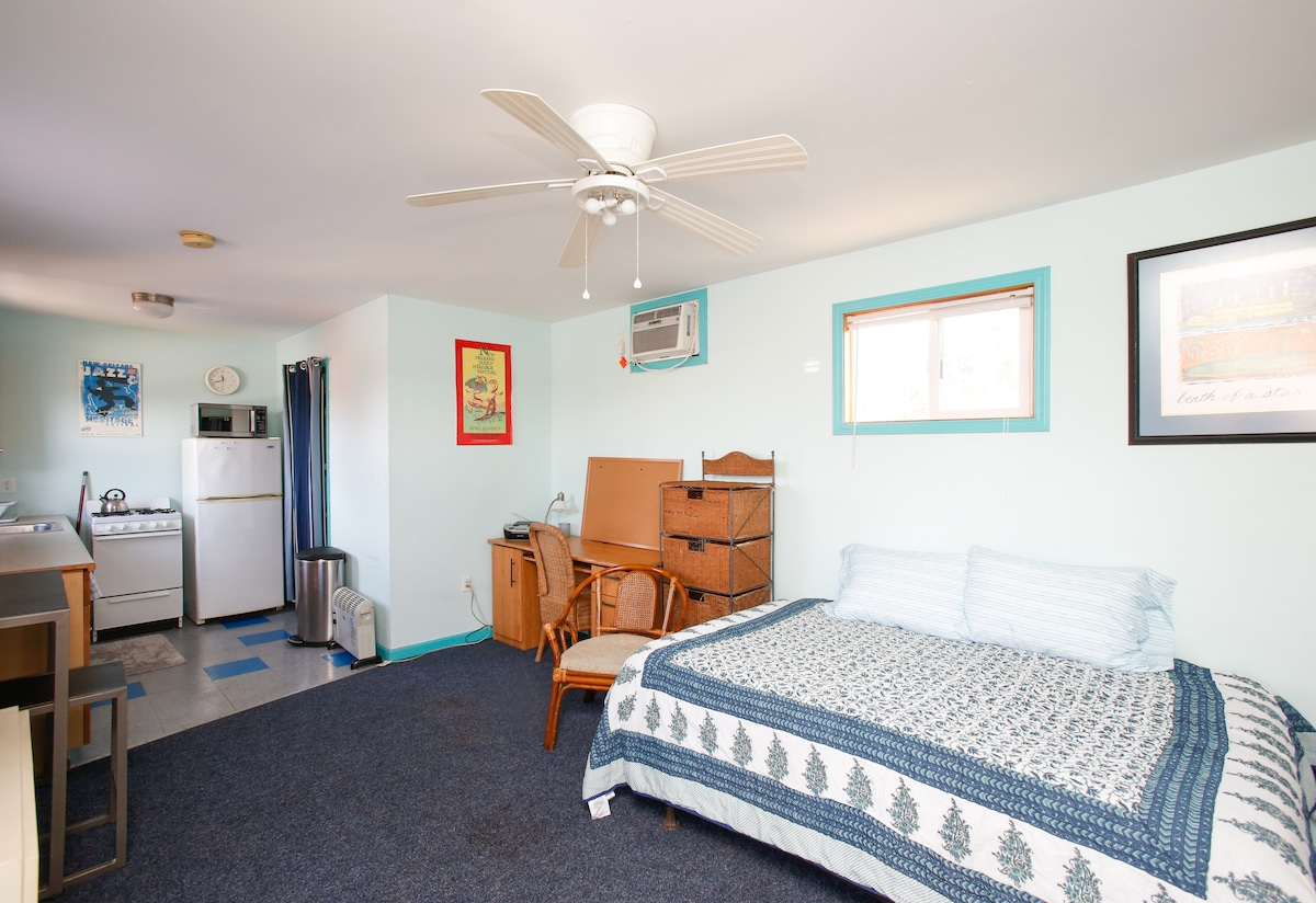 Bywater furnished studio apartment in new orleans for Furnished studio apartments
