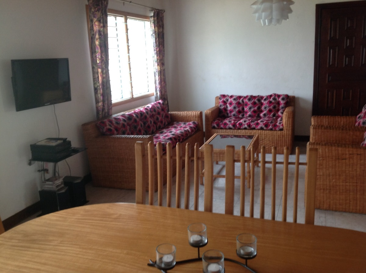 Living/dinning room, entertainment system - DVD/CD player, satellite with many popular channels, LG TV, etc.